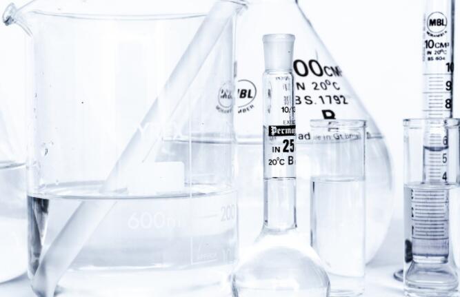 用新的化学催化剂解决塑料短缺问题