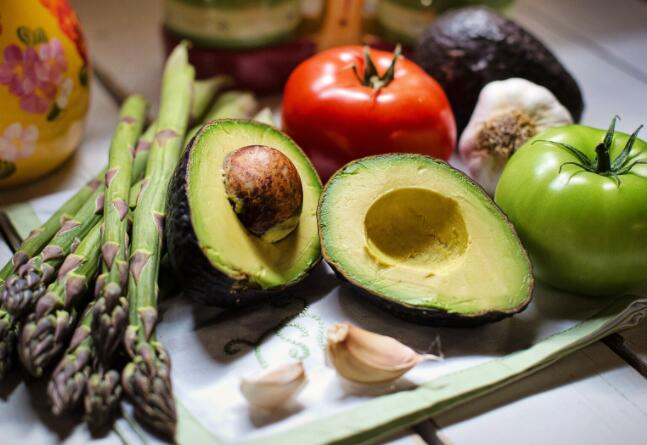 结合植物性饮食和健康的微生物组可以预防多发性硬化症