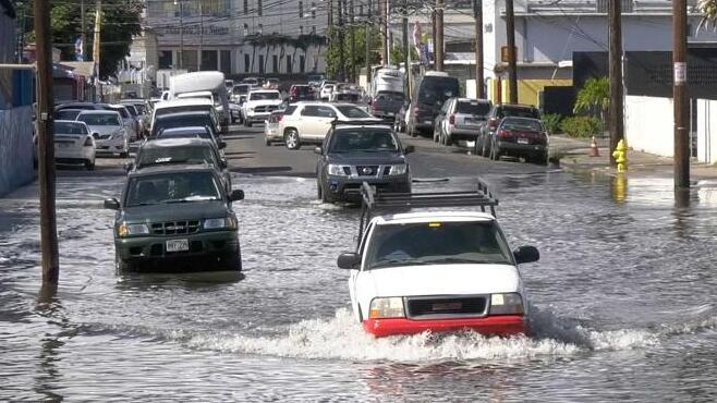 美国高潮洪水的预测显示快速增加和极端月份