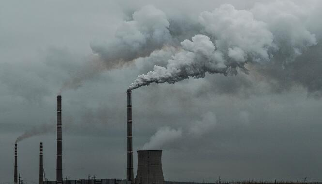 通过履行碳清除义务来确定碳债务的责任