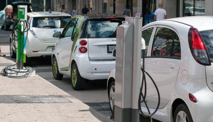 更多的电动汽车可以在2050年内将夏威夷的二氧化碳排放量减少93%