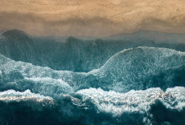 气候变化将改变世界半个海岸的海浪