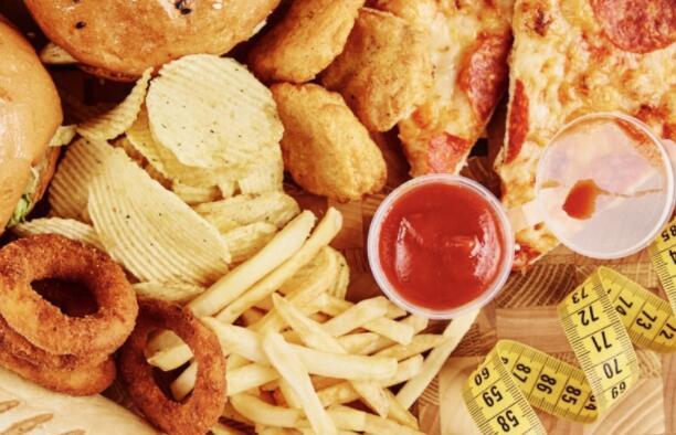 科学家称暴饮暴食不是肥胖的主要原因