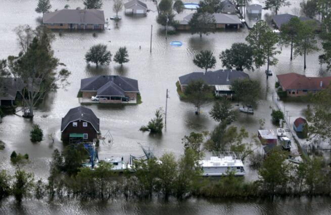 """领导飓风应对的官员需要""""风险素养"""""""