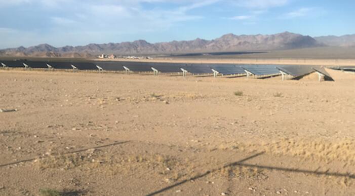 太阳能公园可以冷却周围的土地