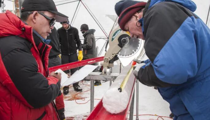 在西藏冰川冰中发现15000年前的病毒
